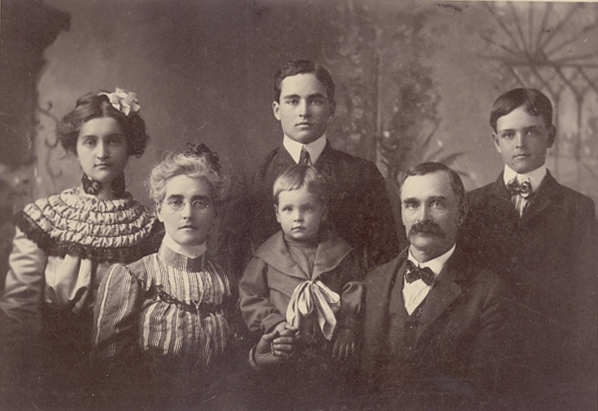 Rose, Mary, Charles, Beatty, George, and Bart Mahaffie about 1903